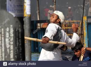 dhaka-bangladesh-5th-may-2013-supporters-of-hefajat-e-islam-and-islami