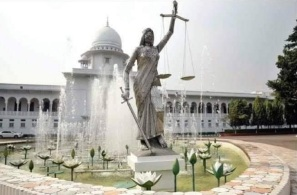 themis-statue-in-front-of-the-supreme-court-copy